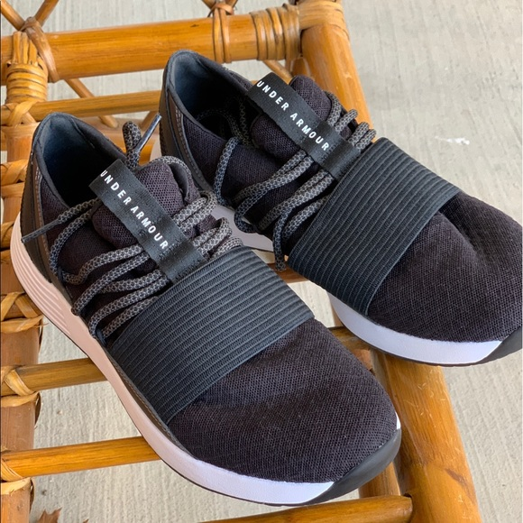 Under Armour Breathe Lace X Nm Brand